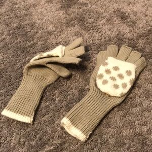 Accessories - Gray and White Gloves